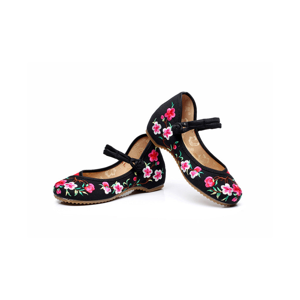 Spring Peach Flower National Style Vintage Embroidered Chinese Mary Jane Shoes for Women in Fashionable Black Shade - Mega Save Wholesale & Retail - 2