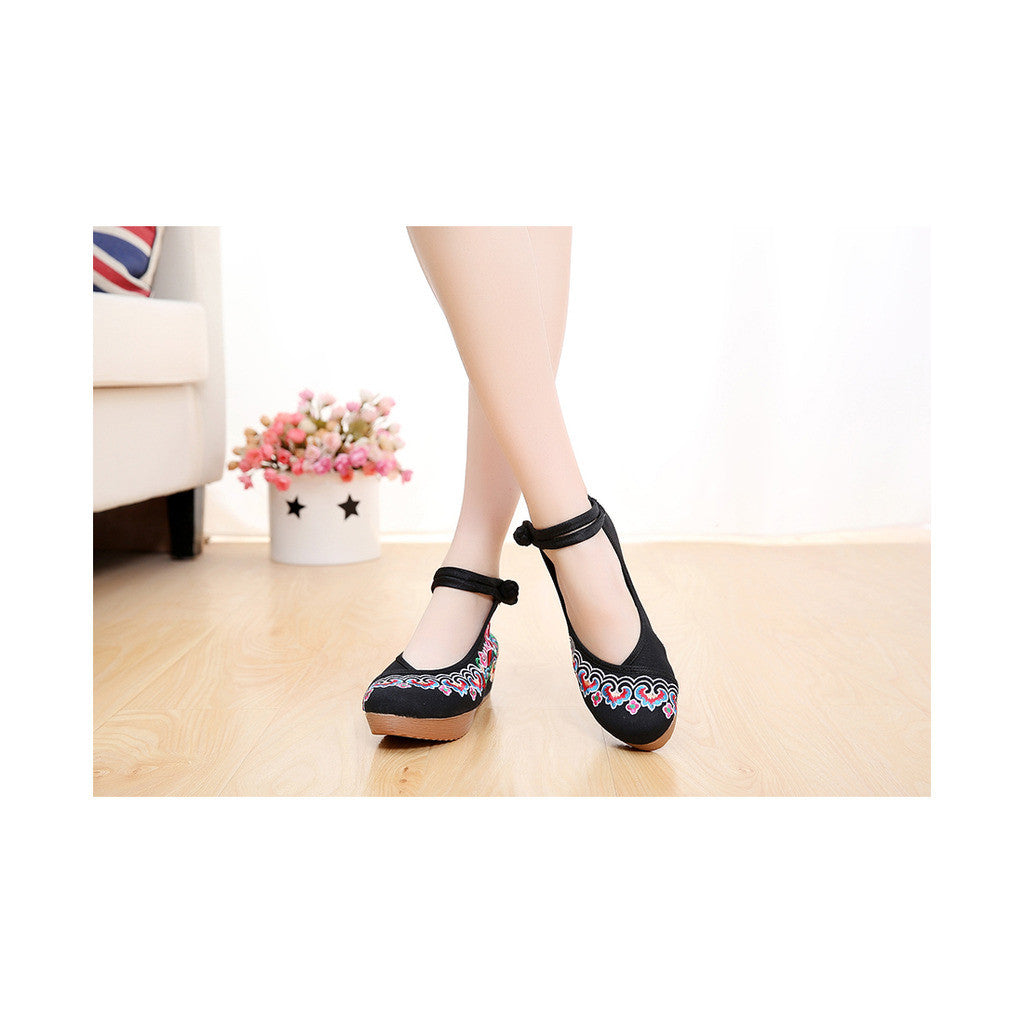 2016 Spring Embroidered High Heels Black Shoes in Round Toe Design & Soft Inner Sweat Absorbent Material - Mega Save Wholesale & Retail