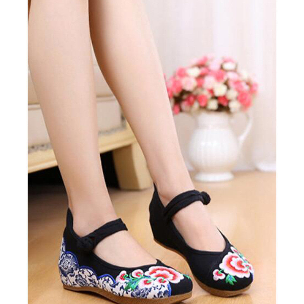 Old Beijing Embroidered Black Shoes for Women in Thick Sole National Style & Floral Design - Mega Save Wholesale & Retail - 3