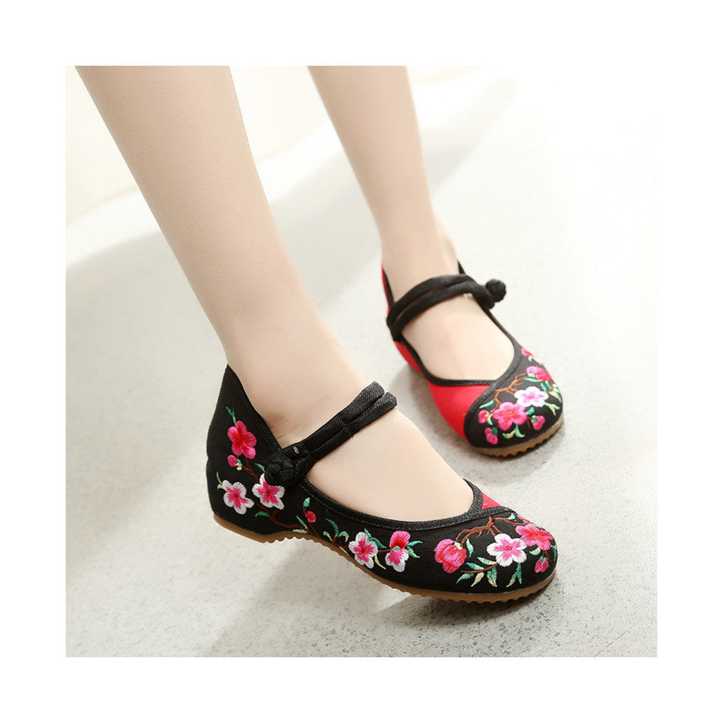 Spring Peach Flower National Style Vintage Embroidered Chinese Mary Jane Shoes for Women in Fashionable Black Shade - Mega Save Wholesale & Retail - 4