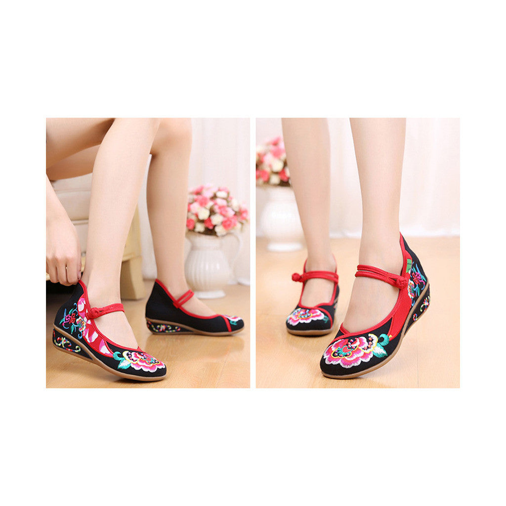 Old Beijing Black Embroidered Online Shoes for Women in National Slipsole Style & Buckle Fashion - Mega Save Wholesale & Retail - 4
