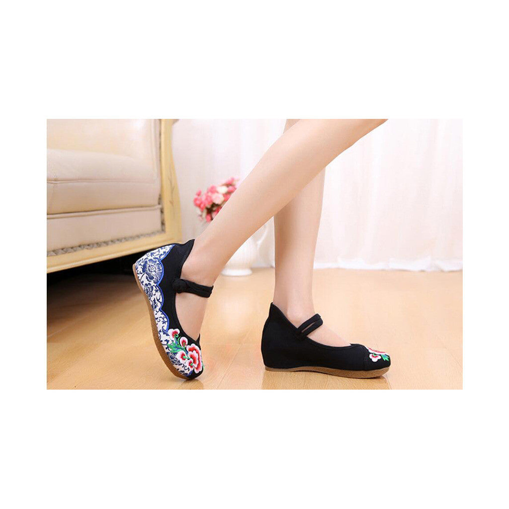 Old Beijing Embroidered Black Shoes for Women in Thick Sole National Style & Floral Design - Mega Save Wholesale & Retail - 4