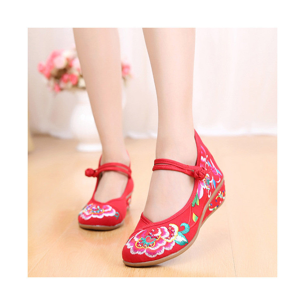 Old Beijing Red Embroidered Boots for Women in National Slipsole Style & Low Cut Fashion - Mega Save Wholesale & Retail - 1