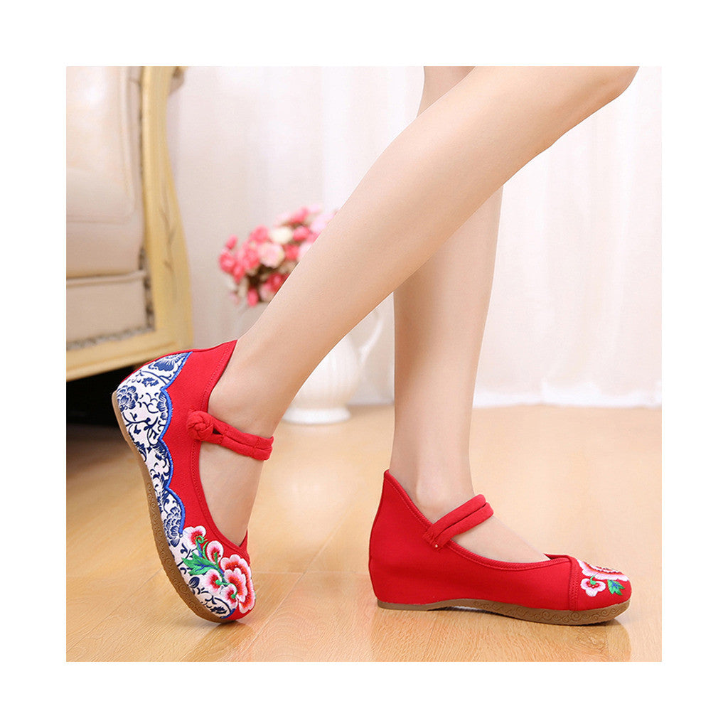Old Beijing Cloth Red Embroidered Shoes for Women Online in National Style with Beautiful Floral Designs - Mega Save Wholesale & Retail - 2