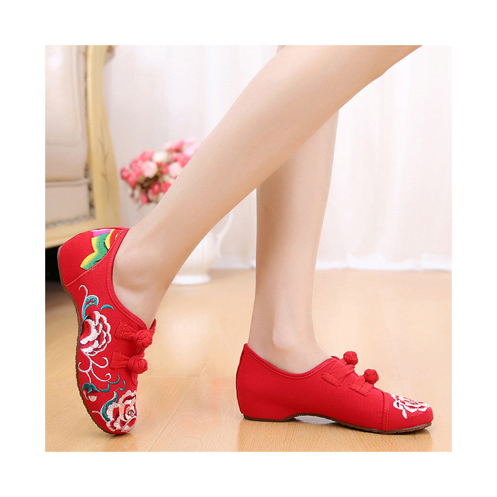 Old Beijing Embroidered Red Vintage Shoes for Women in Low Cut National Style with Beautiful Floral Designs - Mega Save Wholesale & Retail - 2