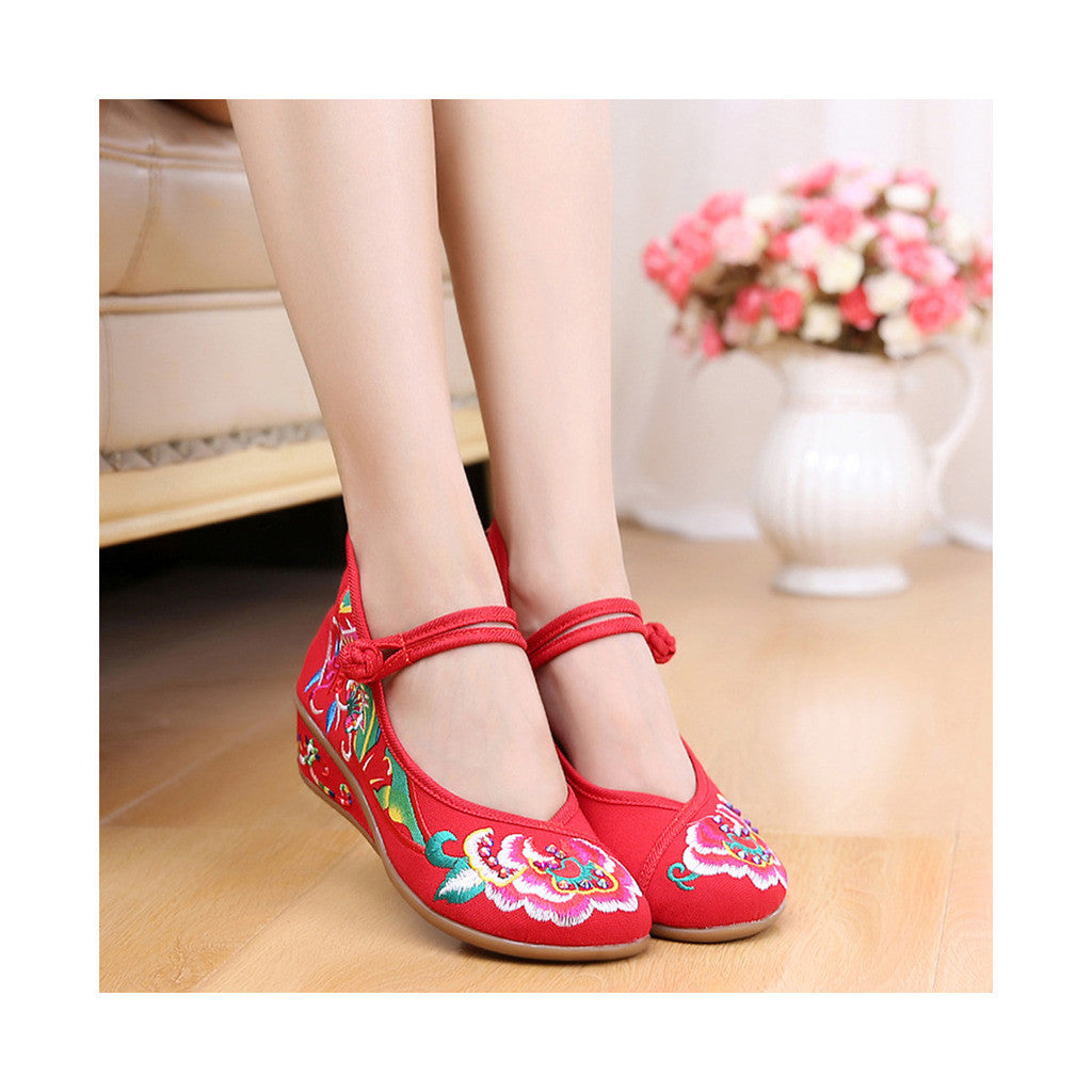 Old Beijing Red Embroidered Boots for Women in National Slipsole Style & Low Cut Fashion - Mega Save Wholesale & Retail - 2
