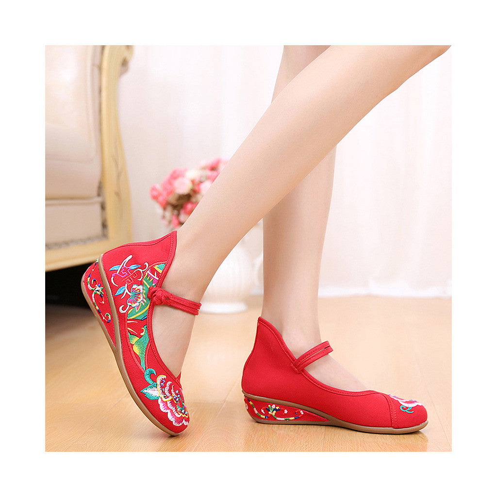 Old Beijing Red Embroidered Boots for Women in National Slipsole Style & Low Cut Fashion - Mega Save Wholesale & Retail - 3