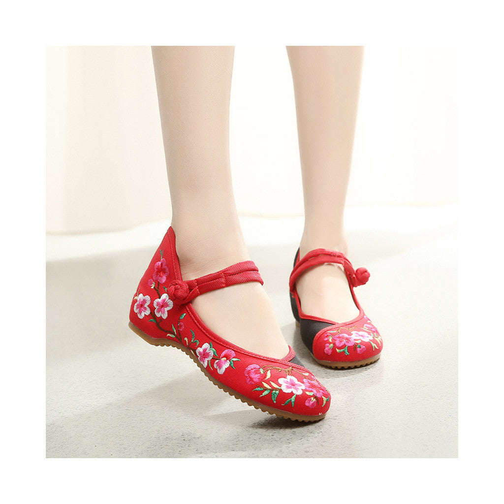 Spring Peach Flower National Style Vintage Chinese Embroidered Shoes for Women in Fashionable Red Shade - Mega Save Wholesale & Retail - 4