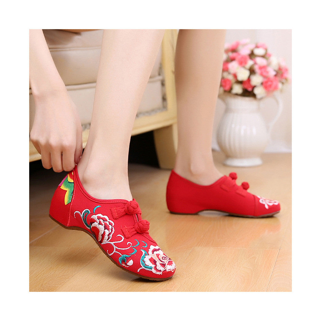 Old Beijing Embroidered Red Vintage Shoes for Women in Low Cut National Style with Beautiful Floral Designs - Mega Save Wholesale & Retail - 4