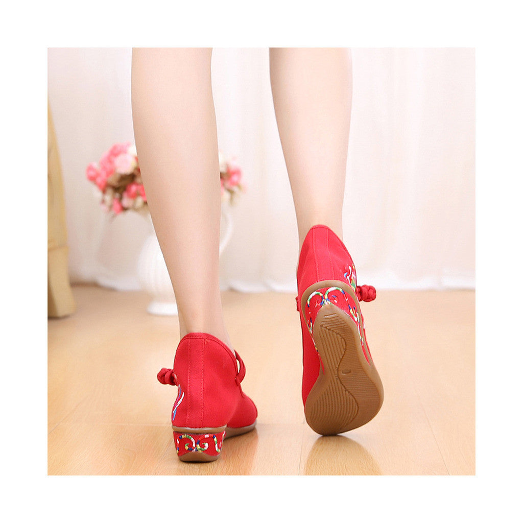 Old Beijing Red Embroidered Boots for Women in National Slipsole Style & Low Cut Fashion - Mega Save Wholesale & Retail - 4