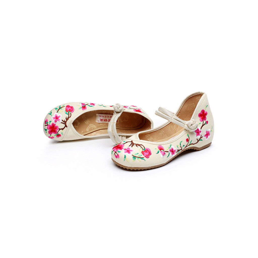 Spring Peach Flower National Style Vintage Embroidered Chinese Shoes for Women in Fashionable Rice Shade - Mega Save Wholesale & Retail - 2