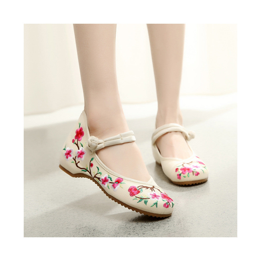 Spring Peach Flower in Blossom Fashionable National Style Vintage Chinese Embroidered Shoes Woman Increased within Shoes   beige - Mega Save Wholesale & Retail - 4