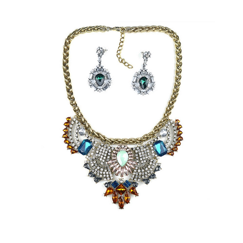 European Exaggerated Big Brand Necklace Suit High Grade Western Vintage Court Necklace Earring   white - Mega Save Wholesale & Retail - 4