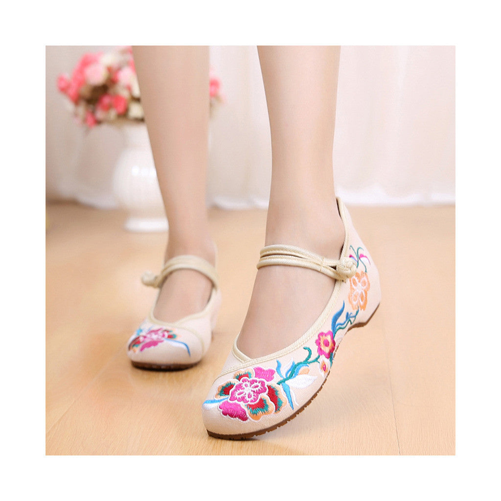 Old Beijing Beige Embroidered Shoes Online in Slipsole Low Cut National Vintage Fashion - Mega Save Wholesale & Retail - 1