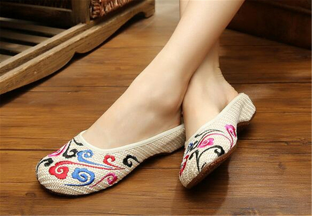 Chinese Shoes for Women in Knitted Beige Ventilated Cloth & Floral Patterns - Mega Save Wholesale & Retail - 3