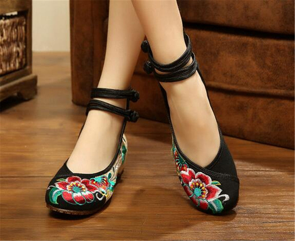 Vintage Chinese Embroidered Flat Ballet Ballerina Cotton Mary Jane Casual Shoes for Women in Black Floral Design - Mega Save Wholesale & Retail - 2