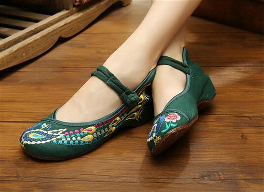 Chinese Embroidered Flat Ballet Ballerina Cotton Mary Jane Style Shoes for Women in Green Floral Design