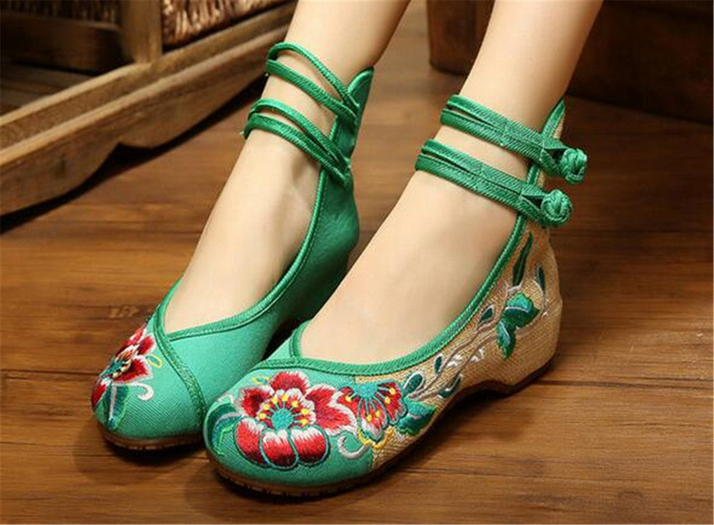 Vintage Embroidered Flat Ballet Ballerina Chinese Mary Jane Shoes for Women in Cotton Green Floral Design - Mega Save Wholesale & Retail - 4