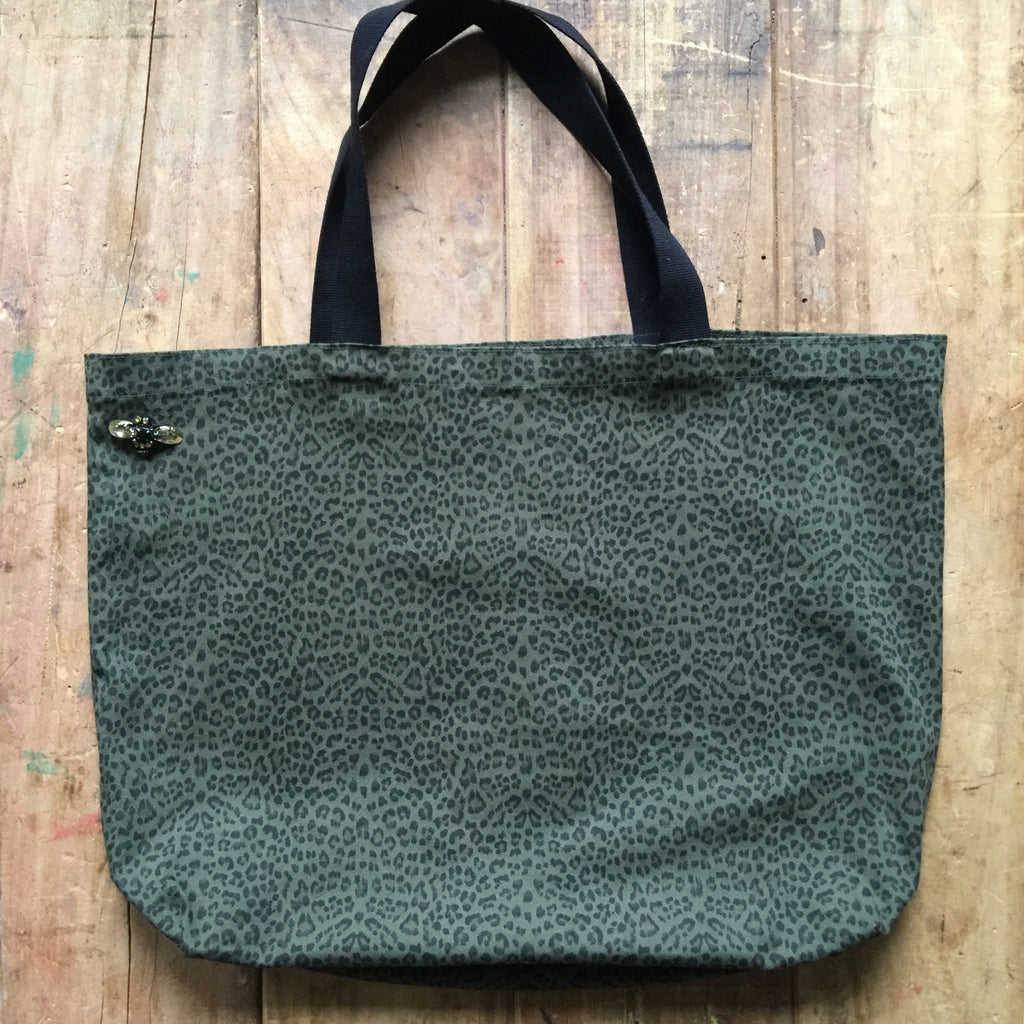 Leopard shopper bag in green