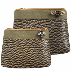 Deco print pouch in military olive