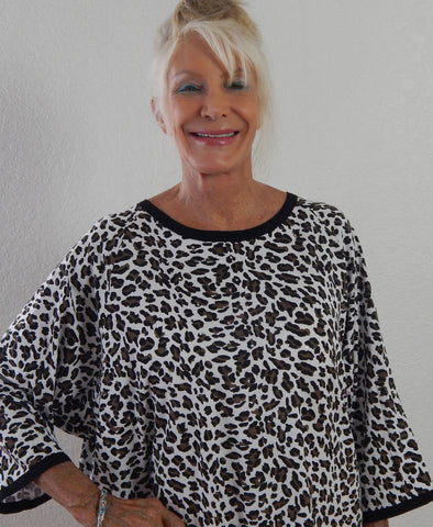 """Minnie"" 3/4 sleeve animal print hospital gown."