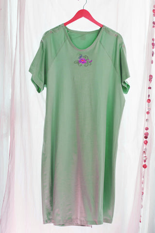 Aqua IV Sleeve Lotus Flower Hospital Gown