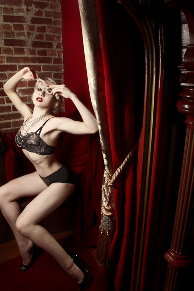 Bricolage Black Lace Bow Bra