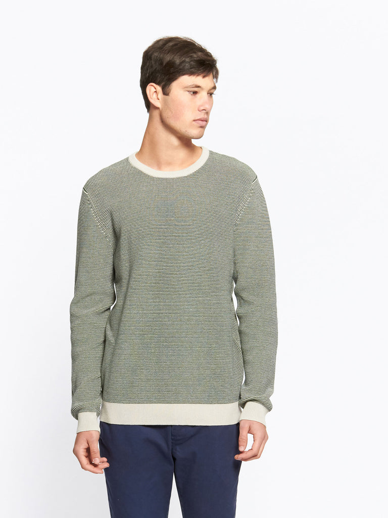Classic crew neck knit