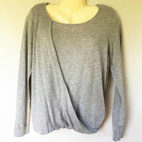 Vince Camuto Scoop Neck Surplice Sweater in Gray, Size L