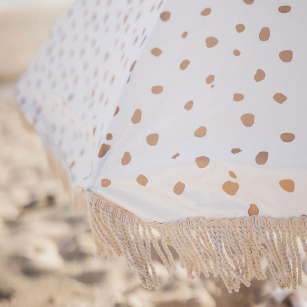 beach-umbrella-dots-fringe-tassel