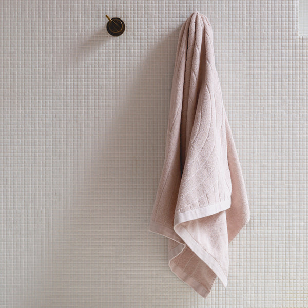 homeware-Baina-bath-towel-pink