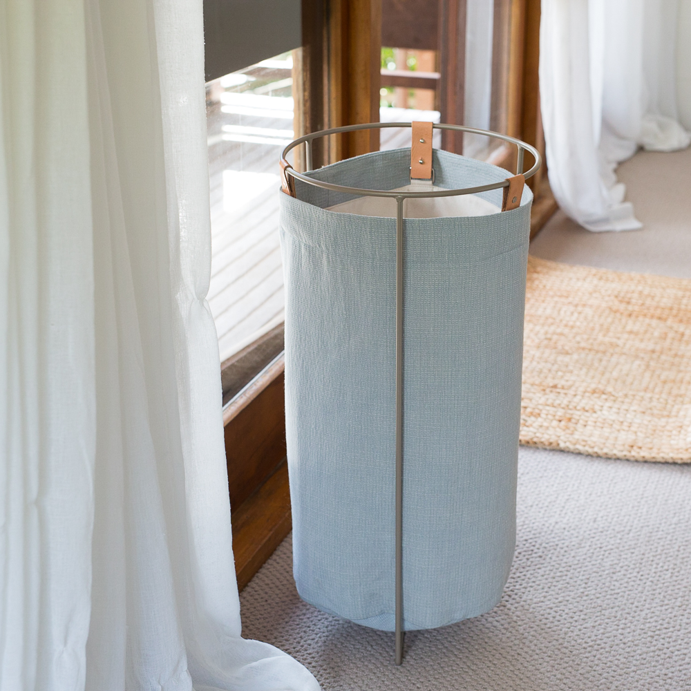 homeware-laundry-basket-blue