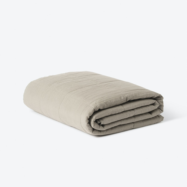 homeware-linen-quilted-blanket-soft-sage