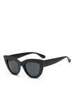 Black retro cats eye sunglasses