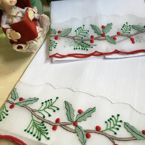 Leron Linens Holly Branch Guest Towels