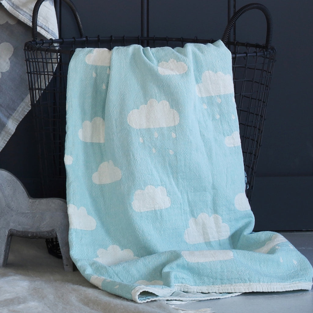 Saarde Clouds Baby Blanket in Mint
