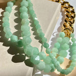 Necklace in gold-plated brass with jade