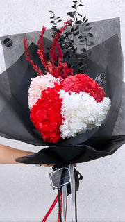 "Limited! Personalised ""Huge Hydy"" Lasting Blooms Bouquet"