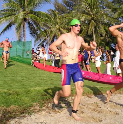 Andy Blow racing a hot triathlon in thailand