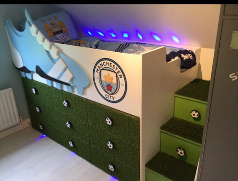 Football themed bed