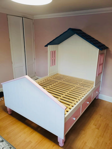 4ft6 double villa style bed
