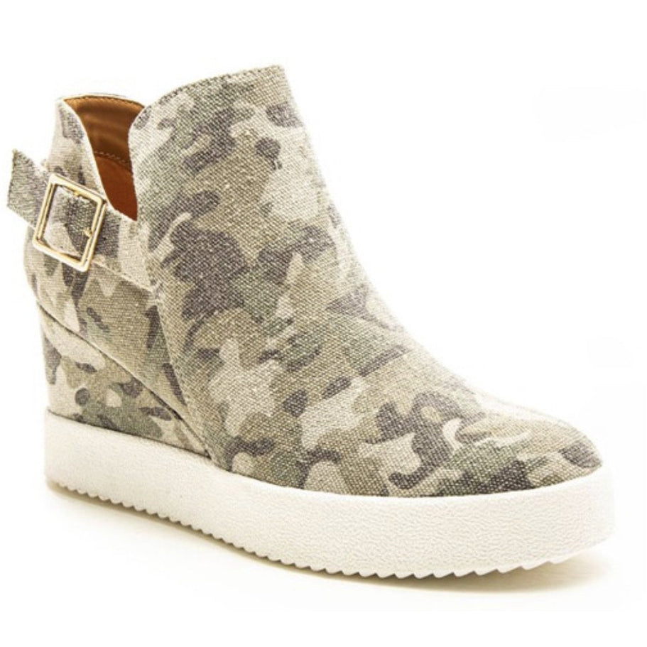 Hillary,the best hidden wedge yet!