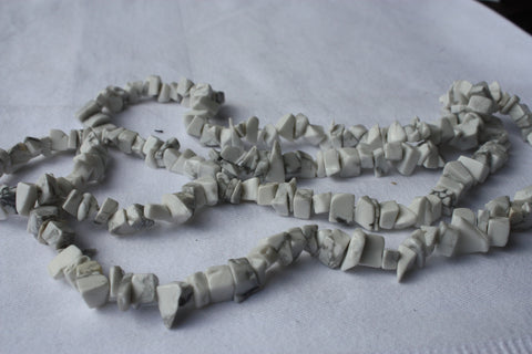 Howlite Chips - 5x8mm - 405cts