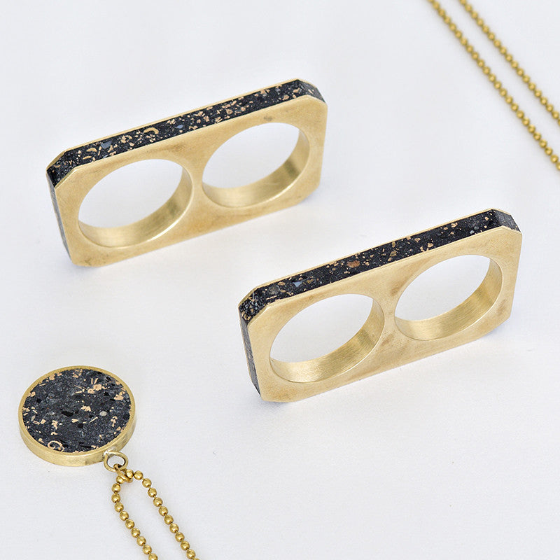 Double Finger Concrete Rings in Brass