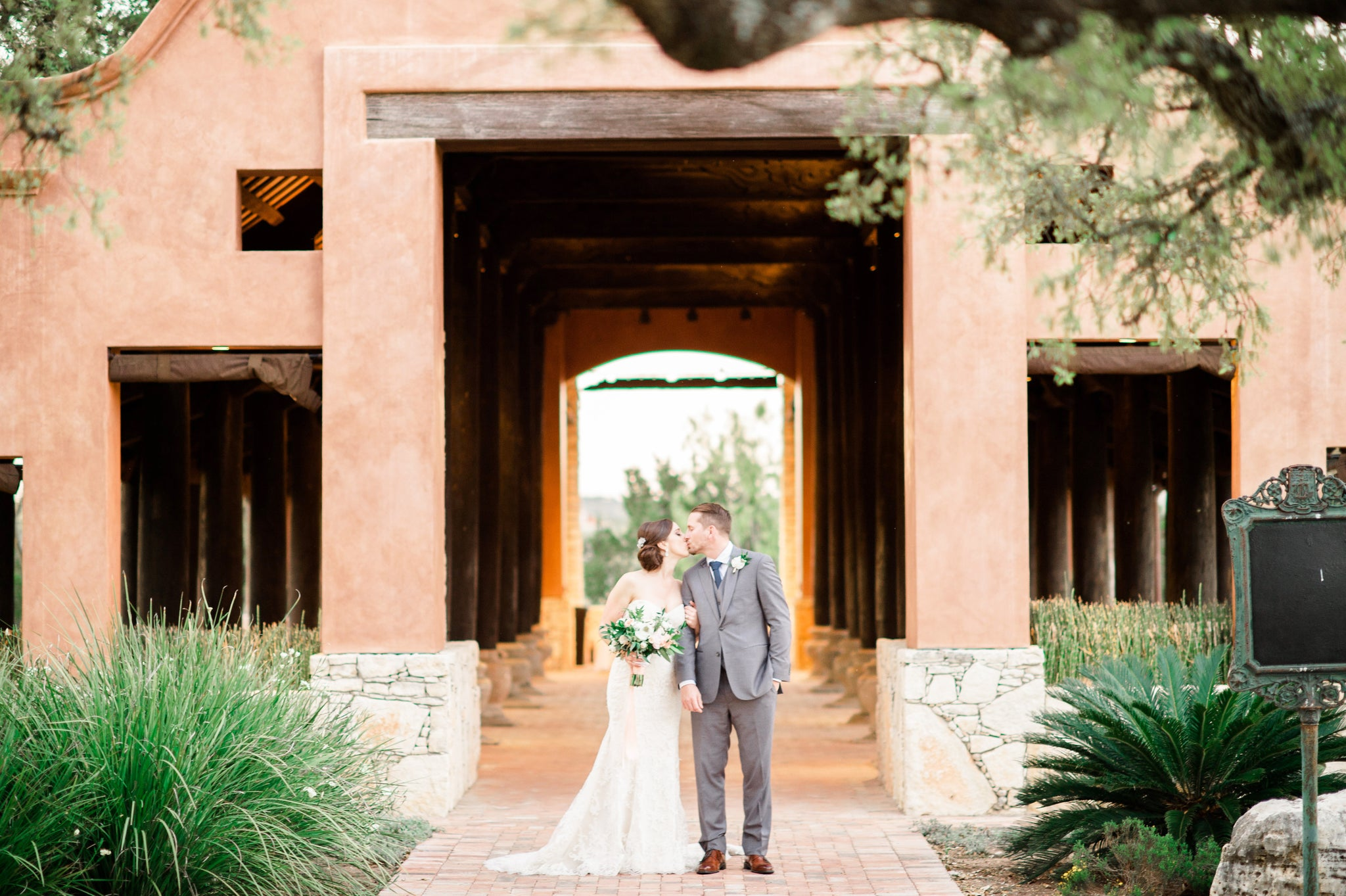 Add a Second Photographer - Lindsey Mueller Photography