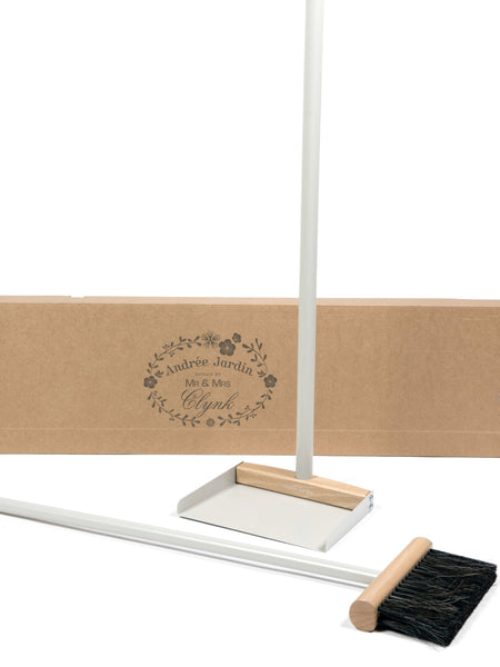 Andrée Jardin Mr. and Mrs. Clynk Complet Standing Broom & Dustpan Set in Cream