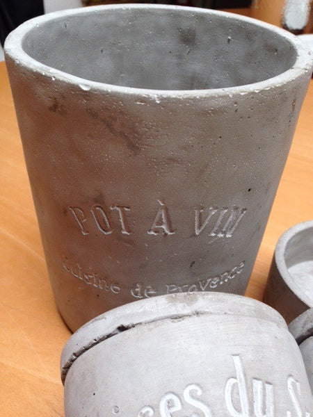 Stone Cement Pot A Vin Large