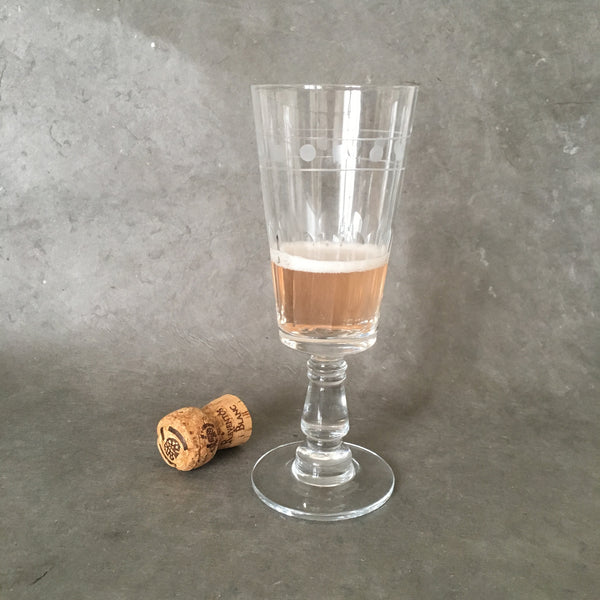 Collectors 1900 Champagne Glass Points