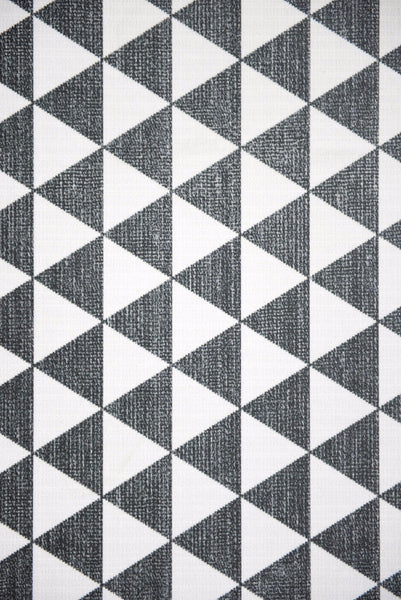 "Beija Flor Nordic Textile Black Triangle Large Room Size Floor Mat  (55"" x 79"")"