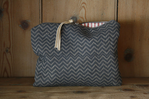 Medium block-printed travel bag/toilet bag